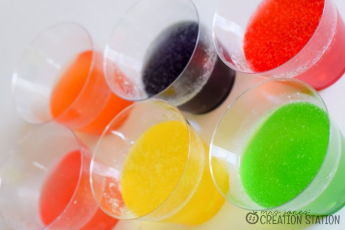 Jelly Bean Simple Science Experiment and FREE printable - MJCS