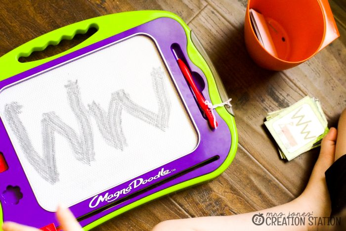 Handwriting pencil grip tips and tools for early writers