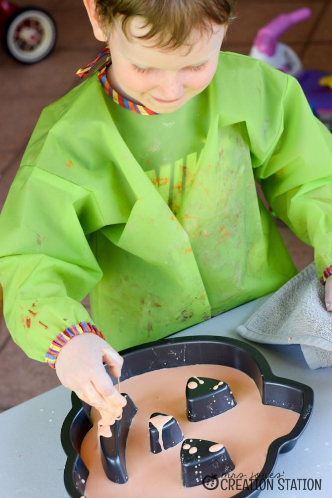 Halloween Sensory Science | Let's Explore - Solid or Liquid?