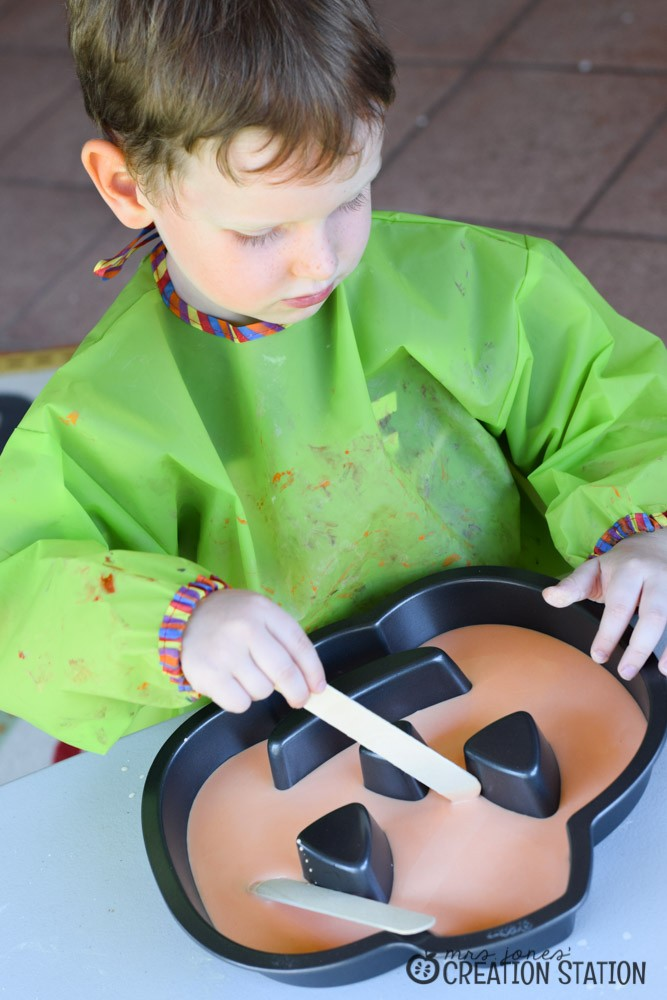 Halloween Sensory Science | Let's Explore - Solid or Liquid?