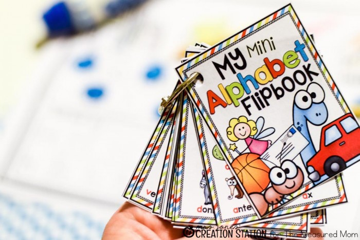 Free alphabet printable: A mini flipbook! - The Measured Mom